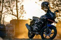 Accesorios indispensables para un viaje en moto.