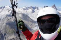 La buena suerte de un parapentista experimentado en las montañas
